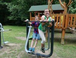MDD Šiatorská Bukovinka – hojdačky pre deti